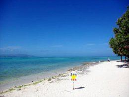 竹富島の星砂の浜(カイジ浜)